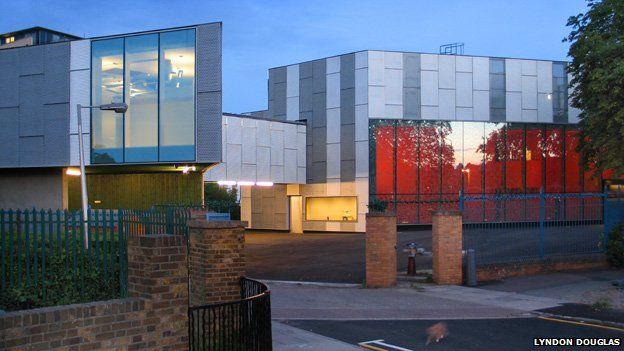 Stephen Lawrence centre, architecture, london architecture