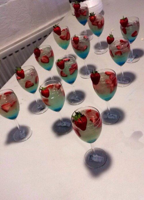 guzzu-drinks-love-in-the-sky
